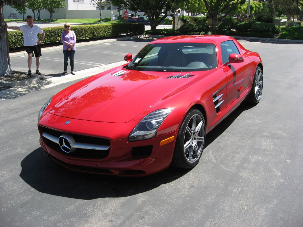 2011 Mercedes SLS AMG - right front 1/4 view