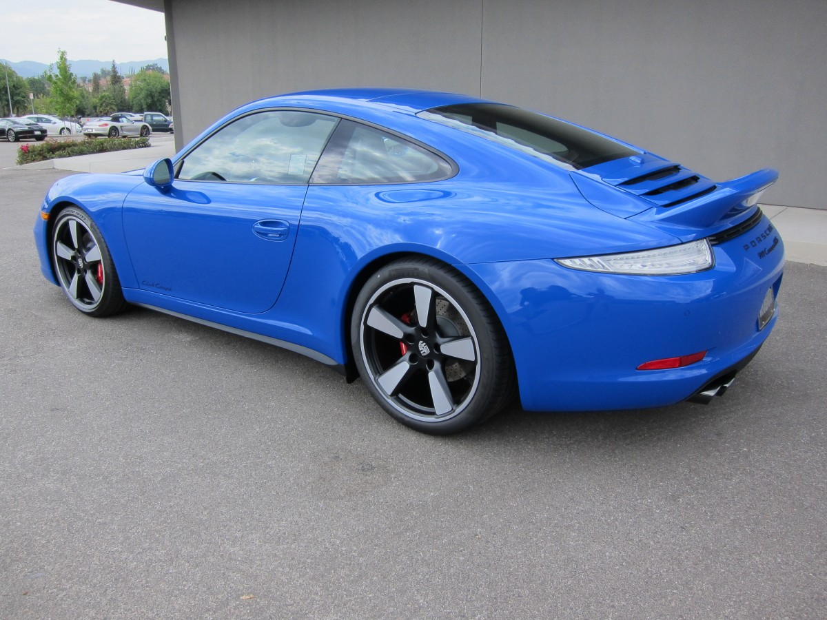 "2016 PORSCHE 991 GTS ""CLUB BLAU"" COUPE - Left rear 1/4 view"